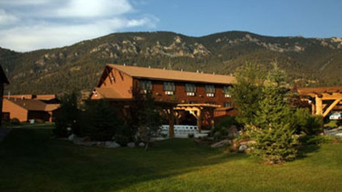 Exterior view BUCKS T-4 LODGE