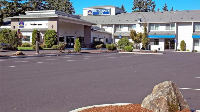 Exterior view BEST WESTERN OAK MEADOWS INN