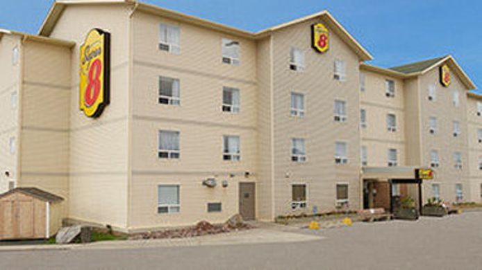 Exterior view SUPER 8 YELLOWKNIFE