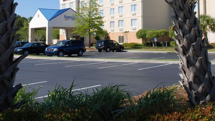 Exterior view Fairfield Inn Myrtle Beach Broadway at the Beach