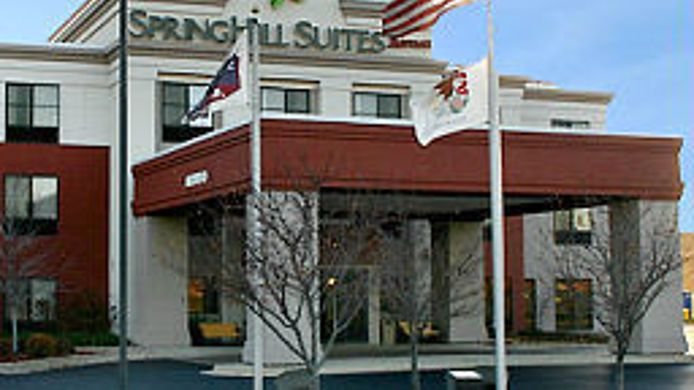 Exterior view SpringHill Suites Chicago Bolingbrook