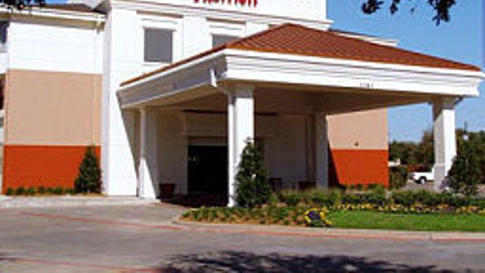Exterior view SpringHill Suites Dallas NW Highway at Stemmons/I-35E