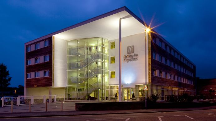 Exterior view Holiday Inn Express CHESTER - RACECOURSE