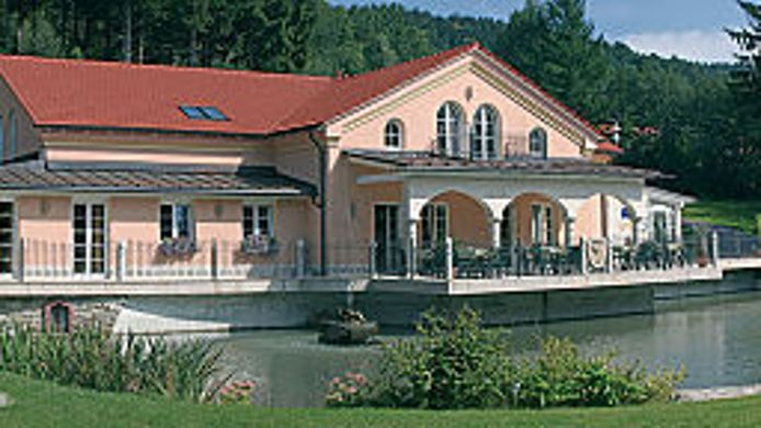 Buitenaanzicht Romantika Wellness Resort