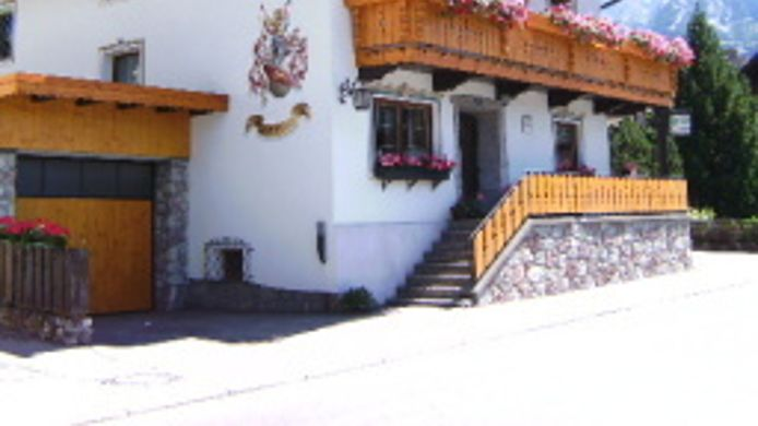 Exterior view Almrausch Pension