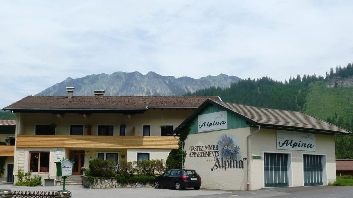 Exterior view Alpina Gästehaus Pension