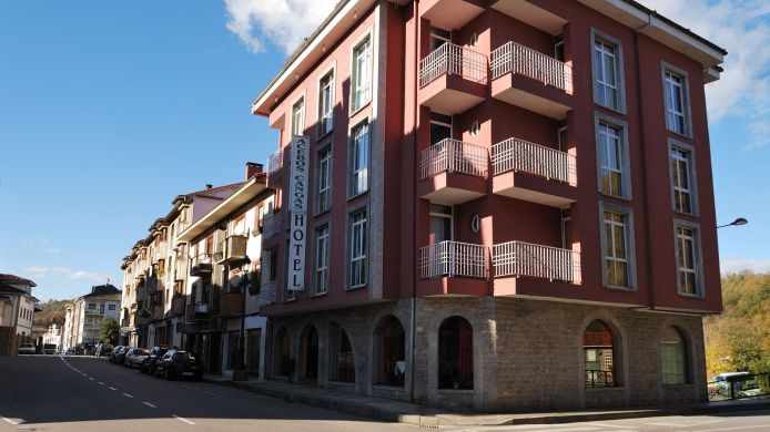 Exterior view Los Acebos Cangas