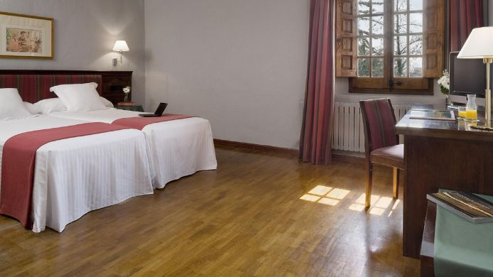 Double room (standard) NH Pamplona El Toro