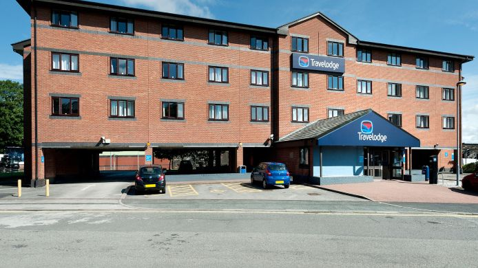 Buitenaanzicht TRAVELODGE WARRINGTON