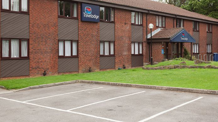 Buitenaanzicht TRAVELODGE BASINGSTOKE