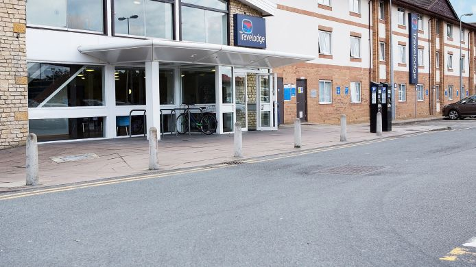 Buitenaanzicht TRAVELODGE OXFORD PEARTREE
