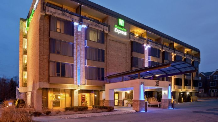 Buitenaanzicht Holiday Inn Express DETROIT-BIRMINGHAM