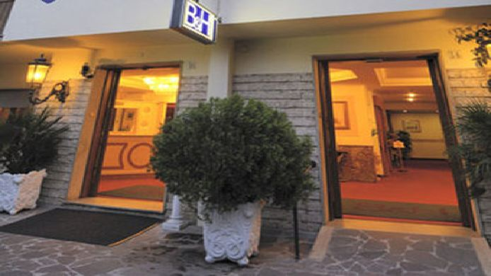 Exterior view Club House Roma