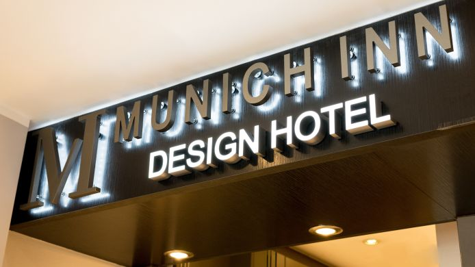 Receptie Munich Inn Design Hotel