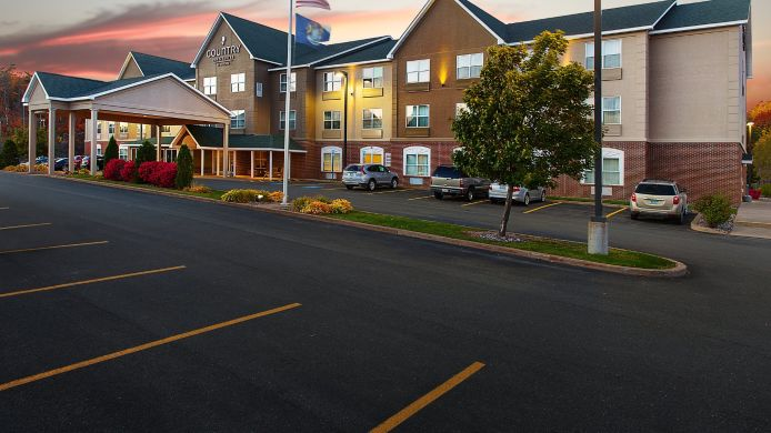 Exterior view COUNTRY INN SUITES MARQUETTE
