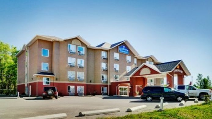 Exterior view Lakeview Inns & Suite Chetwynd