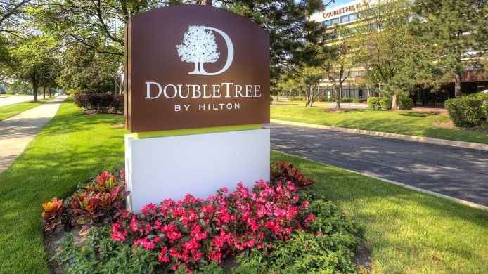 Exterior view DoubleTree by Hilton Chicago - Schaumburg