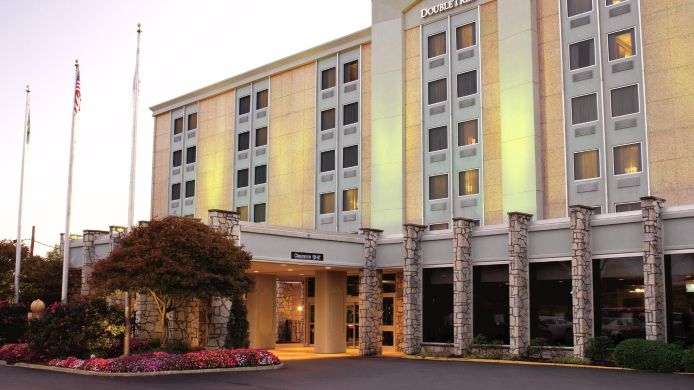 Exterior view DoubleTree by Hilton Pittsburgh Airport