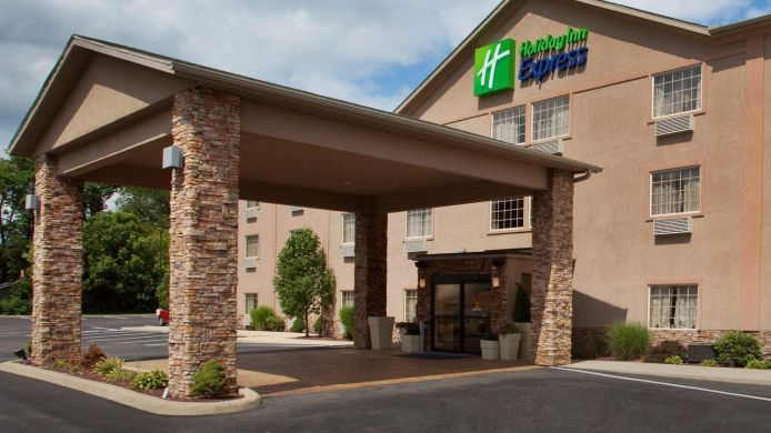 Buitenaanzicht Holiday Inn Express MT. PLEASANT - SCOTTDALE