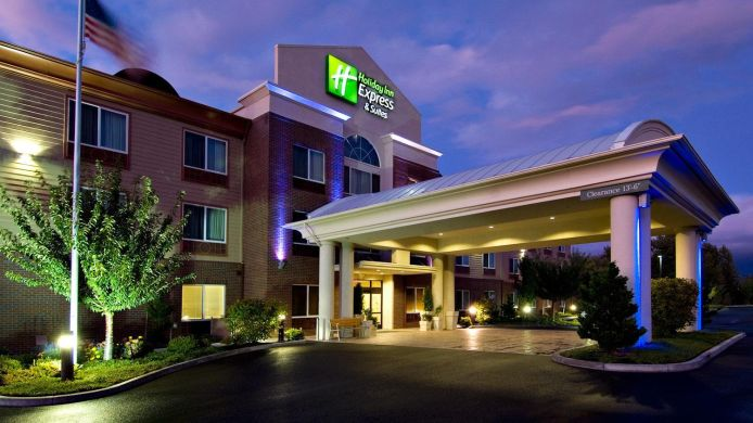 Buitenaanzicht Holiday Inn Express & Suites MEDFORD-CENTRAL POINT