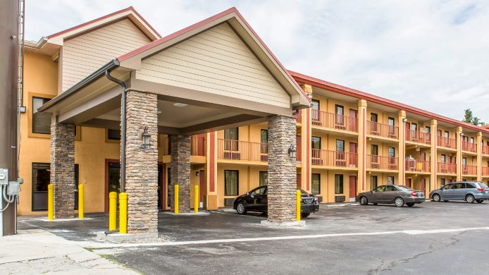 Exterior view Quality Inn Parkway