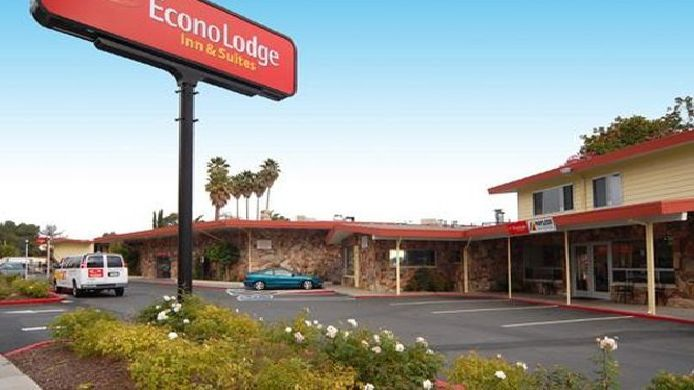 Exterior view Econo Lodge  Inn & Suites Oakland Airport