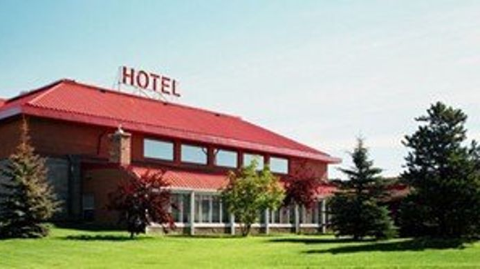 Exterior view Slave Lake Inn & Conference Centre