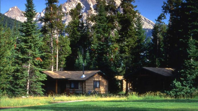 Exterior view Jenny Lake Lodge