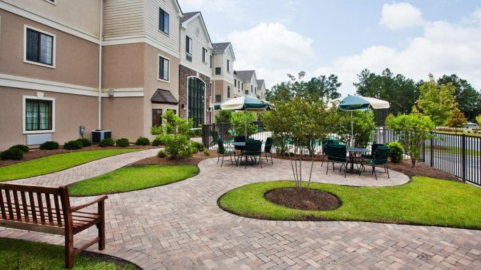 Buitenaanzicht Staybridge Suites SAVANNAH AIRPORT - POOLER