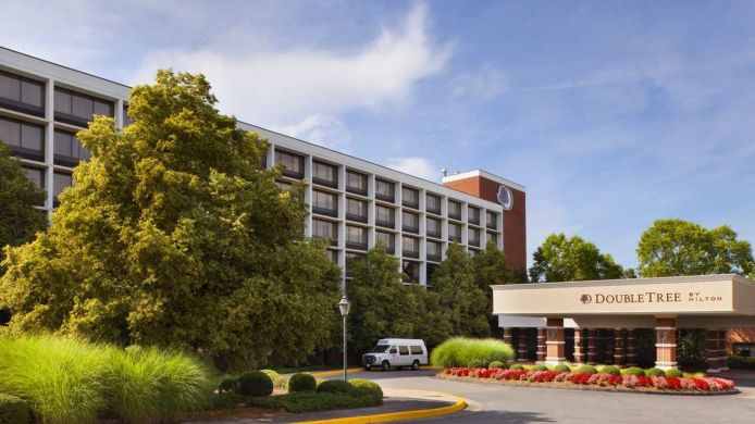 Exterior view DoubleTree by Hilton Charlottesville
