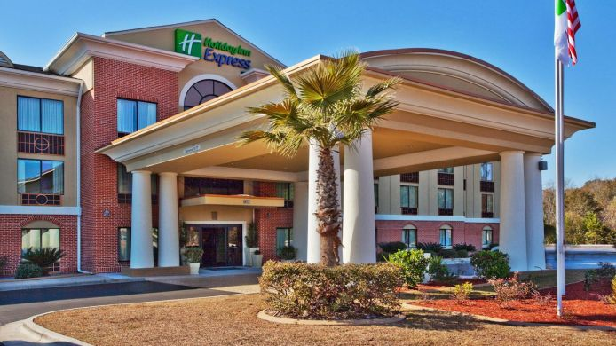 Buitenaanzicht Holiday Inn Express & Suites HINESVILLE EAST - FORT STEWART