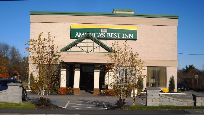 Exterior view Americas Best Inns Portsmouth