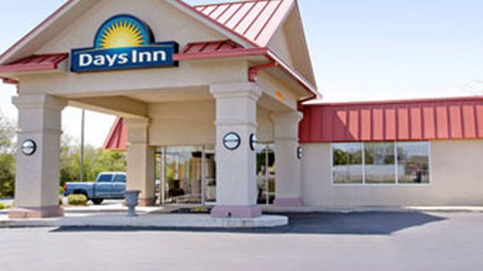 Exterior view DAYS INN FORSYTH