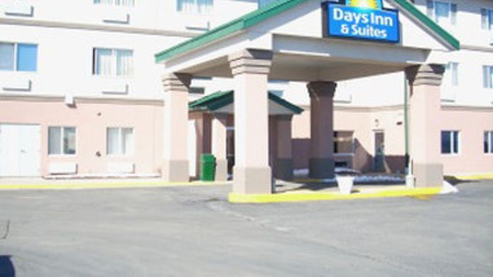 Exterior view DAYS INN SUITES MORRIS