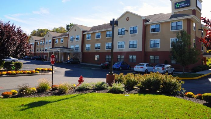 Exterior view EXTENDED STAY AMERICA BUDD LAK