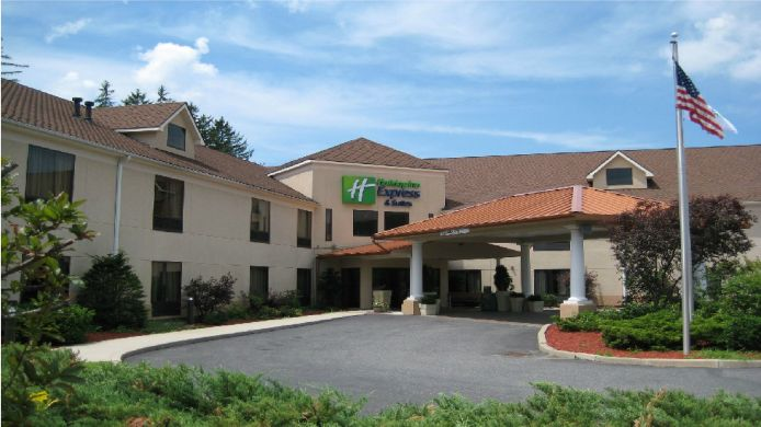 Exterior view Holiday Inn Express & Suites GREAT BARRINGTON - LENOX AREA