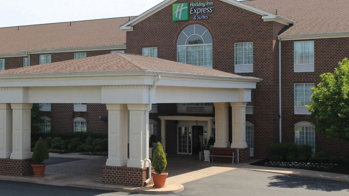 Buitenaanzicht Holiday Inn Express & Suites WARRENTON