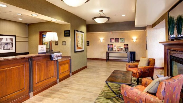 Buitenaanzicht Hampton Inn - Suites Addison