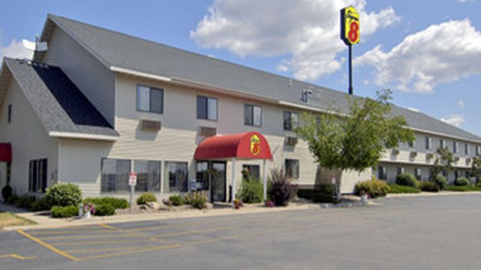 Exterior view SUPER 8 MAUSTON WI