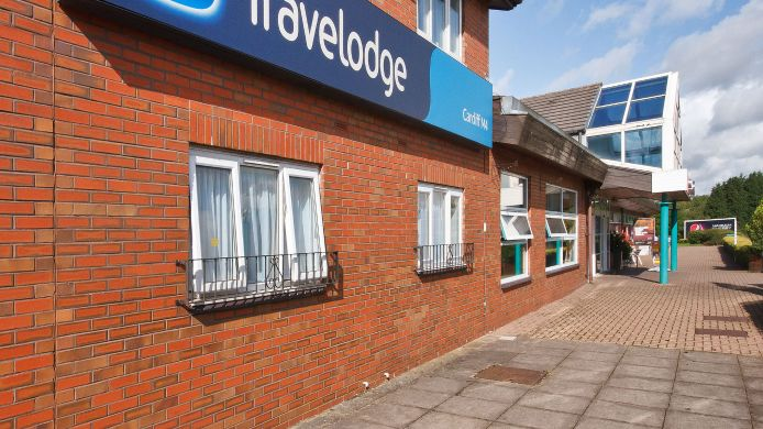 Exterior view TRAVELODGE CARDIFF M4