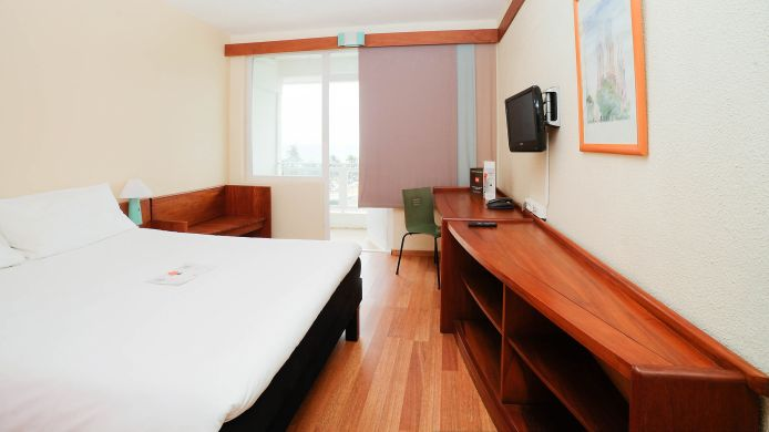 Kamers ibis Lome Centre