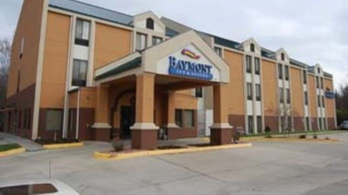 Exterior view BAYMONT SUITES LAWRENCE