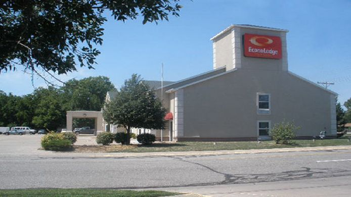 Buitenaanzicht BW PLUS MIDWEST INN AND SUITES
