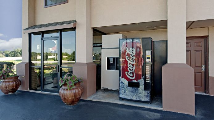 Buitenaanzicht AMERICAS BEST VALUE INN TYLER