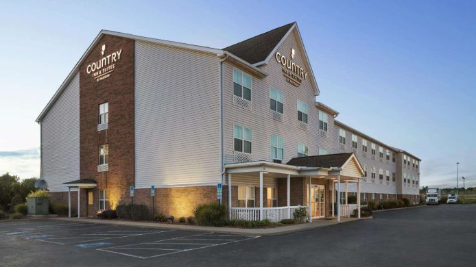 Buitenaanzicht COUNTRY INN AND SUITES ELYRIA