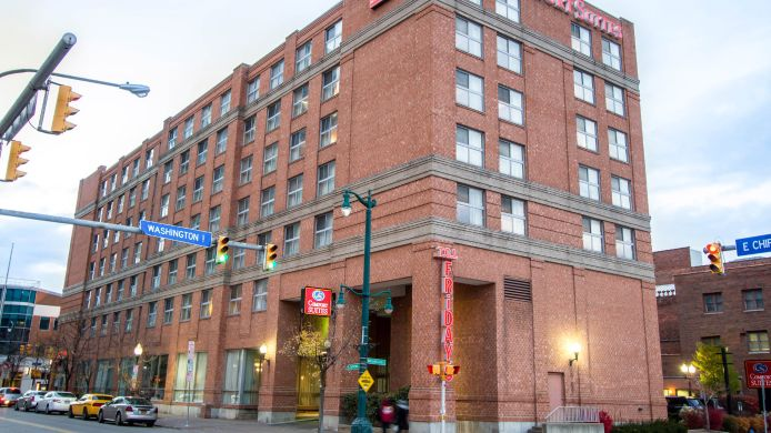 Buitenaanzicht Holiday Inn Express & Suites BUFFALO DOWNTOWN