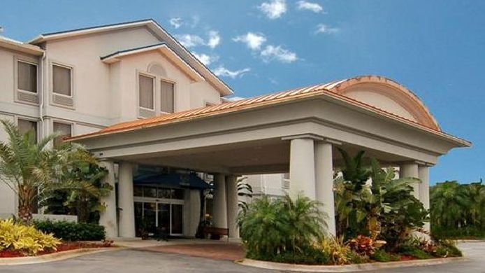 Buitenaanzicht Holiday Inn Express DAYTONA BEACH - SPEEDWAY