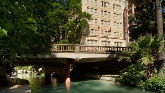Exterior view DRURY INN STES SAN ANTONIO RIVERWALK