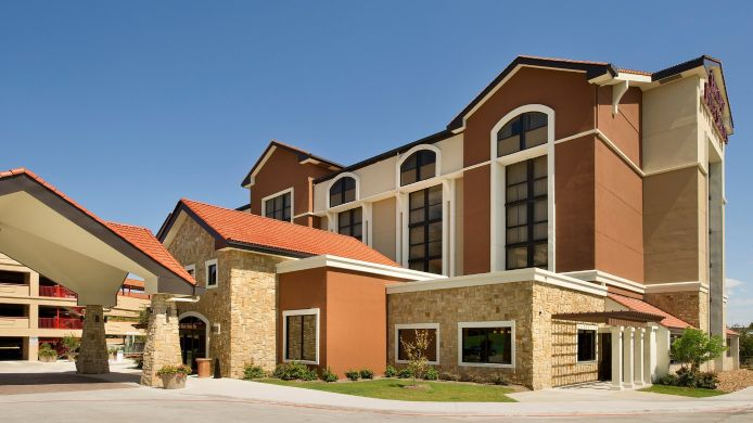 Exterior view DRURY INN AND SUITES SAN ANTONIO AIRPORT
