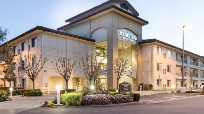 Exterior view DoubleTree by Hilton Ontario Airport